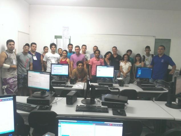 Dia 01-12 - 15-30 - Instalando e Configurando Active Directory Windows Server 2012 - Foto da Turma